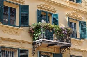 bee-friendly balcony